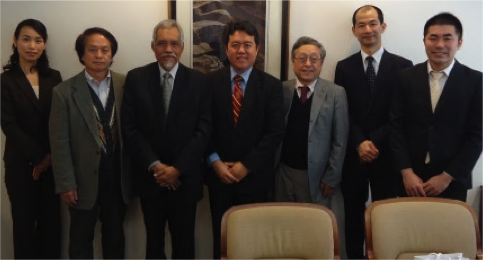 AP Dr Azman and Prof. Osman with academic staff of Institute of Advanced Asian Studies, Tokyo University
